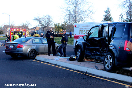 car accident in oakley